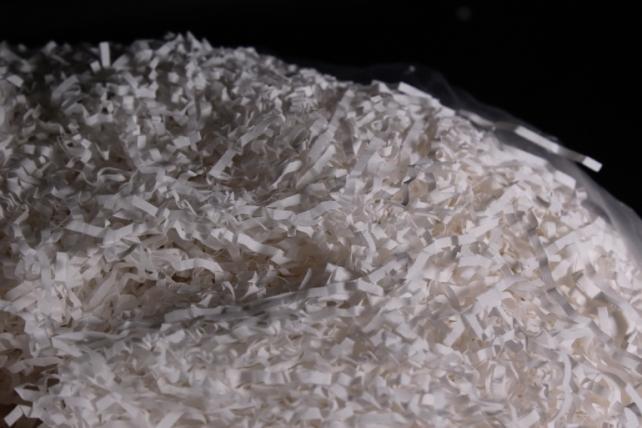 Бумажный наполн. Волна  (1кг ) Пергамент белый  68г/м2  (203)
