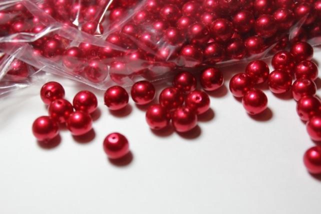 Бусины перламутров. цветные  (8мм) в пакете 100гр Красные