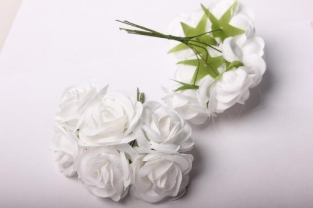 бутаньерка роза 3см белая (6 букет. по 6шт)