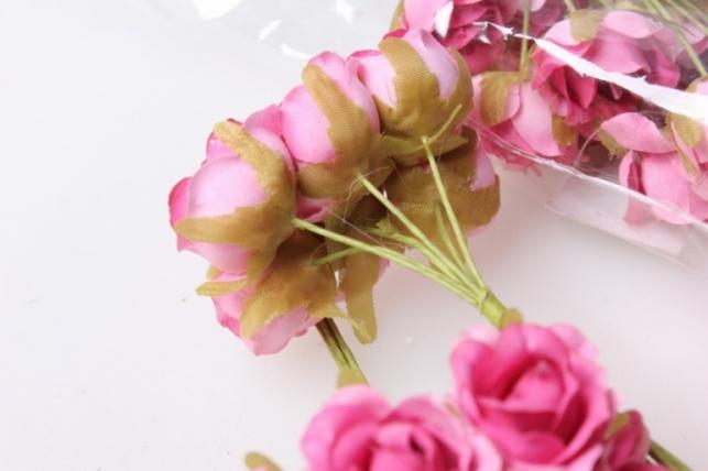бутаньерка роза розовая (10 букетов по 6шт)