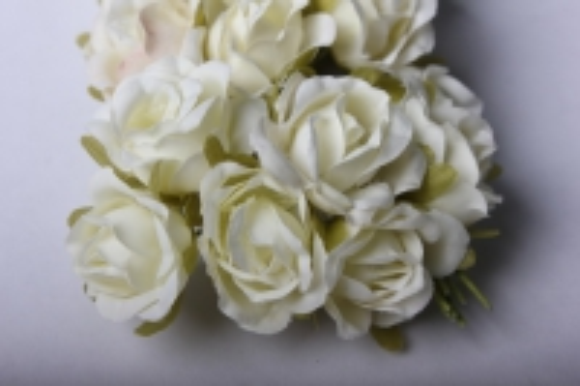 бутаньерка роза шампань (10 букет. по 6шт)