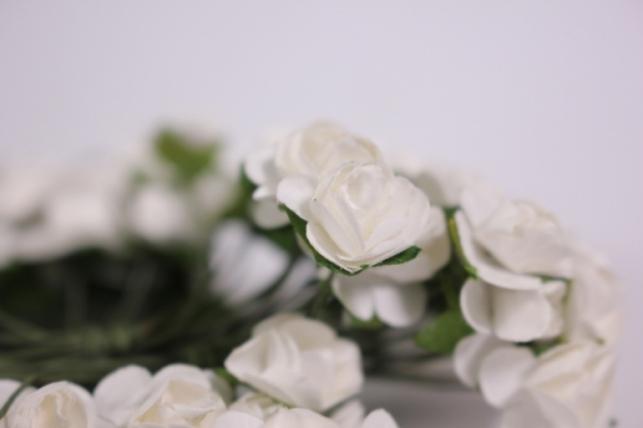 цветы бумажные 1см белые (144шт в уп) ht16a001
