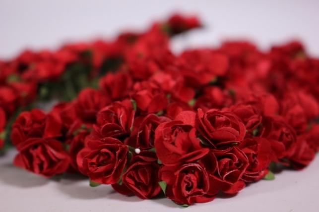 Цветы бумажные 1см Красные (144шт в уп) HT16A001