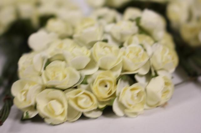 Цветы бумажные 1см Шампань (144шт в уп) HT16A001
