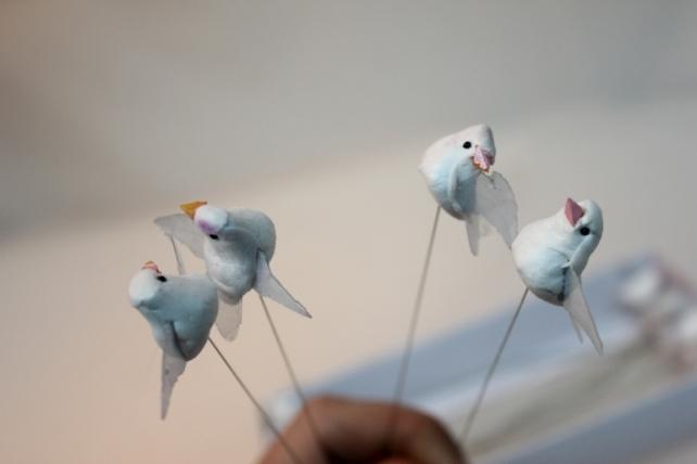Декоративная искусственная флористическая - 2713 Птичка Голуби белые  3см (24шт в уп)