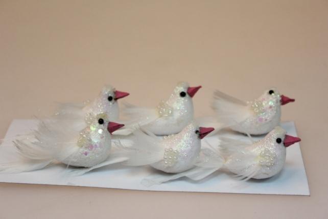 Декоративная искусственная флористическая - 5141 Птички Голуби с бусами  6см (6 шт в уп)