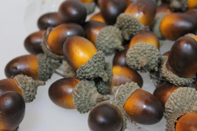 искусственные фрукты декоративные искусственные орехи - 9437 жёлуди в пакете (200 шт.) 7108