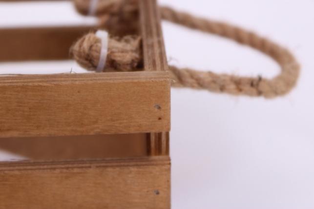 деревянныйящиксбоковымиверёвкамиреечныймкоричневый15*15*10см