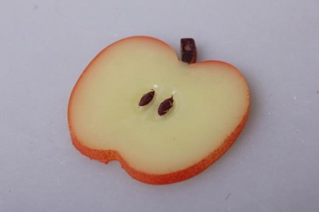 Долька яблоко красная 5см (1шт)