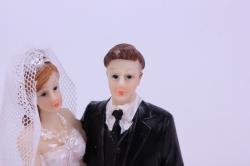 фигурки жених и невеста на торт - невеста с букетом платье с воланами