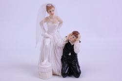 Фигурки Жених и Невеста на торт (С приколом)- Нога на табуретке h=12см