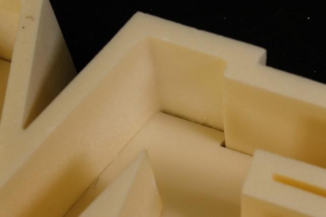 Форма-коробка пенопласт для цветов LOVE (бежевая)