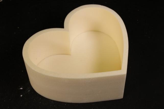 Форма-коробка пенопласт для цветов Сердце (бежевое)