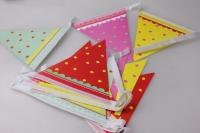 Гирлянда Разноцветные флажки с точками 270см 64627