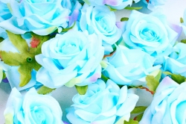 Головка Розы нежно-голубые ( в уп. 24 шт)     ART117