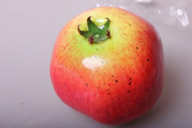 Гранат 9см - искусственные фрукты