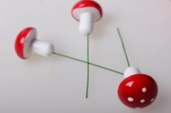 грибы мухоморы искусственные 4см (100 шт в уп) 6945  т116