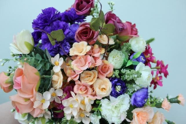 гвоздика бело/персиковая  букет - цветы искусственные