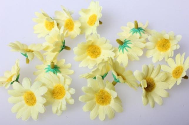 Хризантема желтая цветная 3,5см (60шт в уп) 9699