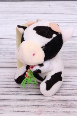 Игрушка для букета (С) - Бык с морковкой пятнистый 8см 7004