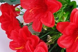 Искусственное растение - Азалия с гипсофилой красная