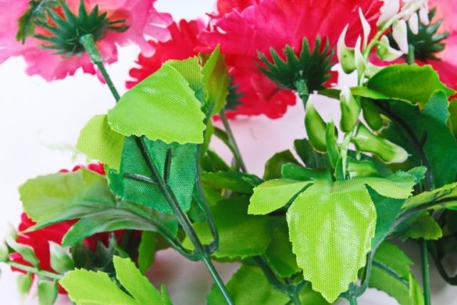 Искусственное растение - Гвоздика с папоротником малиновая