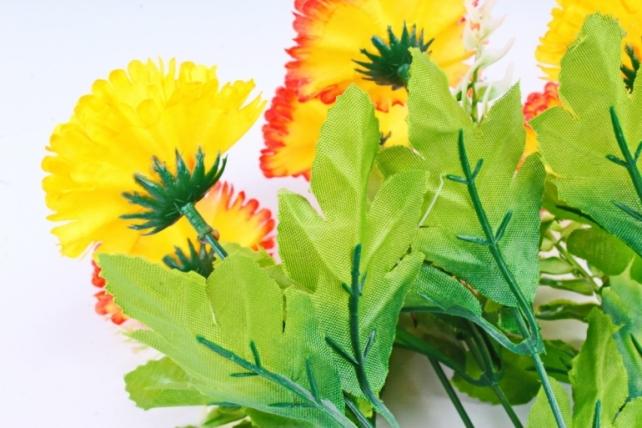 Искусственное растение - Гвоздика с папоротником оранжевая