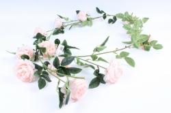 Искусственное растение - Лиана с пионами персиковыми Н= 2м Тцк