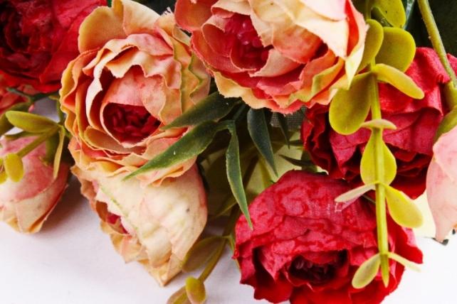 Искусственное растение - Ранункулюс Винтаж красный/персик