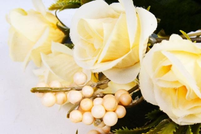 Искусственное растение - Розочки винтаж кремовая