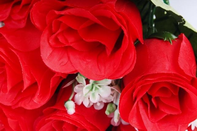 Искусственное растение - Розы Классика красные