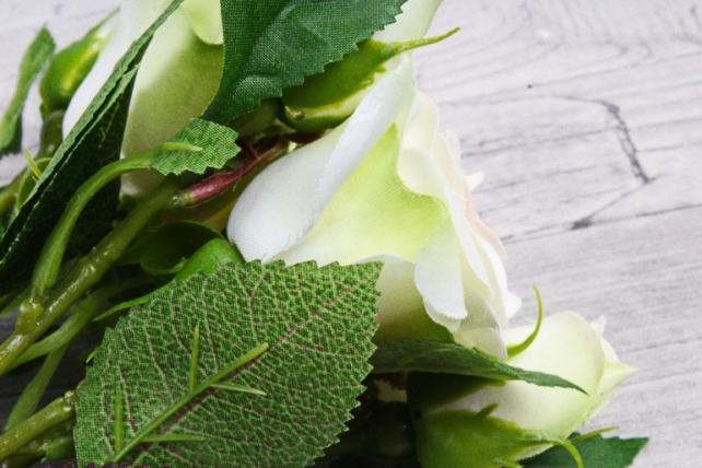 Искусственное растение - Ветка Розы 35см кремовый (3 шт в уп) SUN452