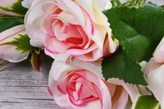 Искусственное растение - Ветка Розы 35см ярко-розовая (3 шт в уп) SUN452