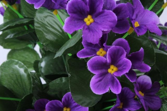 искусственное растение - букет фиалок круглый фиолетовый