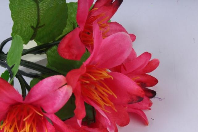 искусственное растение - цветы яркие 20 см малиновые
