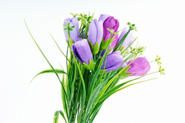 Искусственное растение -  Крокусы с осокой сине-фиолетовые