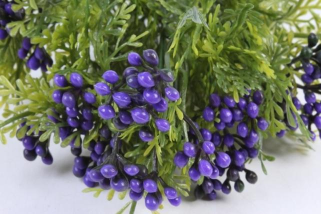Искусственное растение -  Можжевельник с сиреневыми ягодами  Б10361