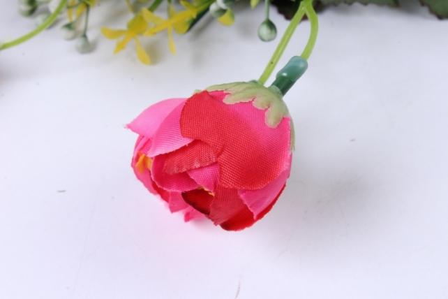искусственное растение - ранункулюс с бересклетом малиновый 30cm