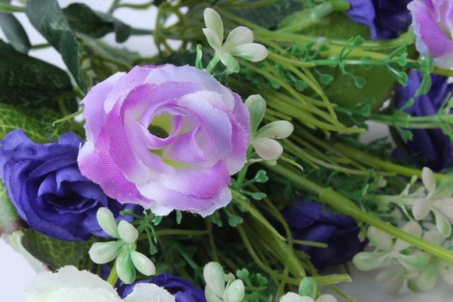 искусственное растение - розочка с гипсофилой сиренево-белая h=31cm