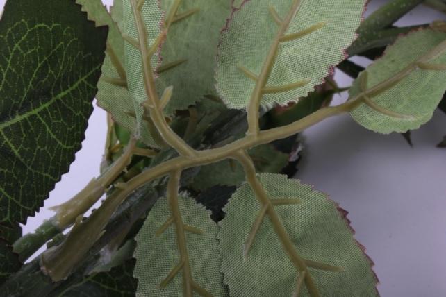 искусственное растение - веточка розы  бело/персиковые sun317