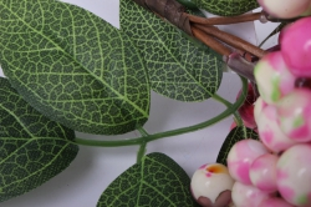 искусственное растение - веточка с ягодками розово-белые ow1008