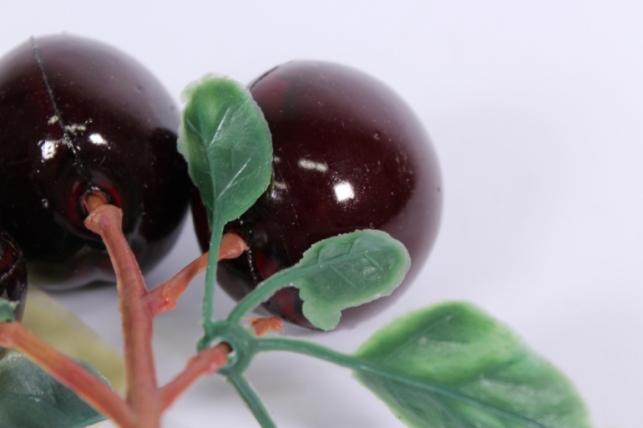 искусственные фрукты - слива крупная (3шт) на ветке