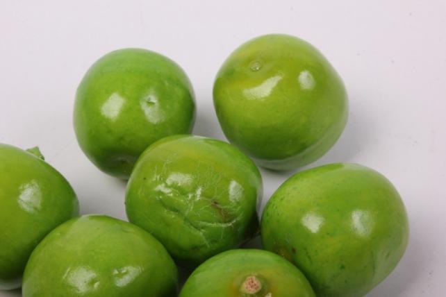 искусственные фрукты - яблочки зелёные 2 см (10 шт в уп)
