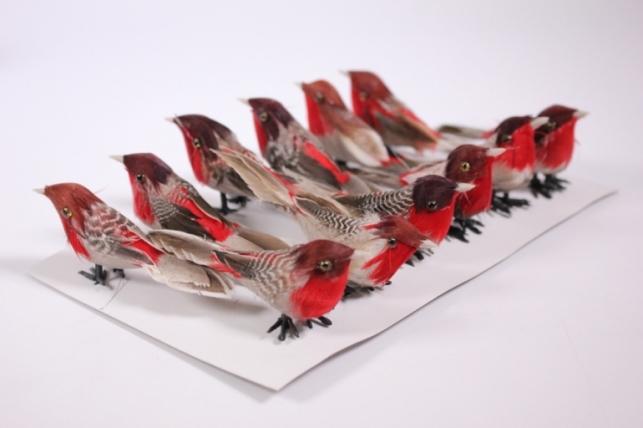 Искусственные птички - 5546 Птичка серая с красным 7см на клипсе (12шт в уп)