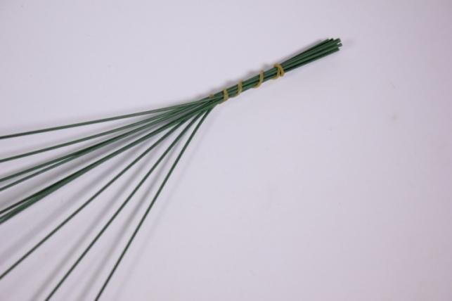 искусственные растения - 9545 ветка зеленая 40см (10шт в уп)