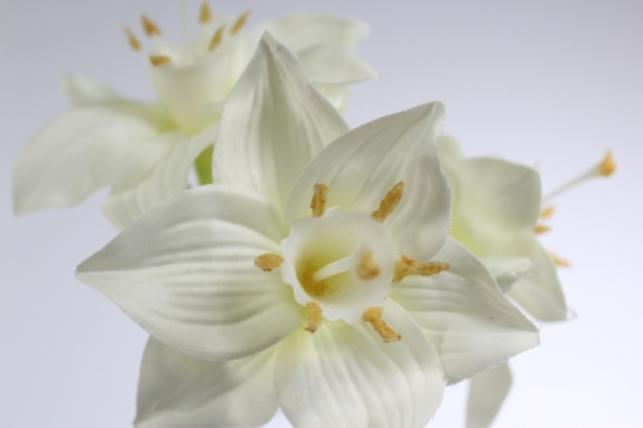 искусственные растения - амариллис 65см белый