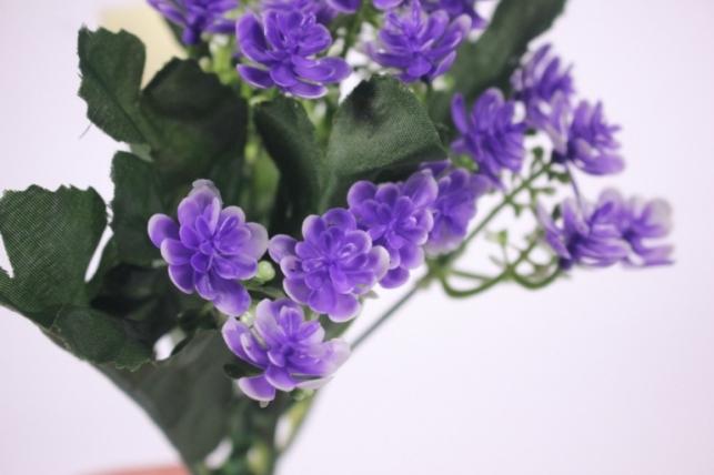 искусственные растения - цветочки мелкие фиолетовые