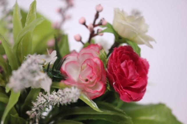 искусственные растения - роза евробукет с гипсофилой (шампань/малиновая) 25см