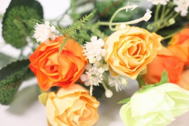 искусственные растения - розочка с гипсофилой шампань/персик