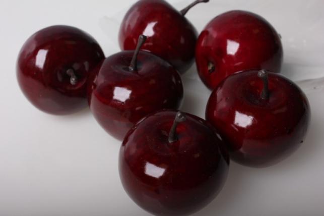 Искусственные яблоки средние (6шт) красный д.5 см